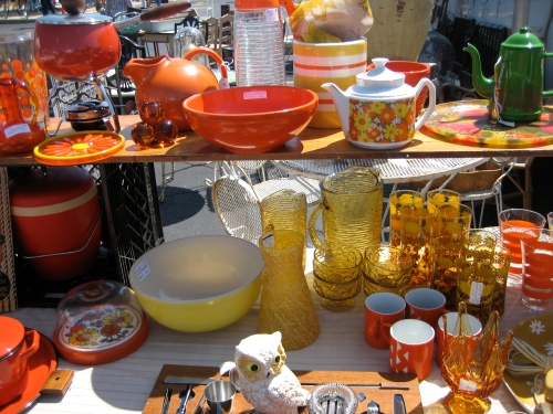 More retro pots, teapots, bowls and more